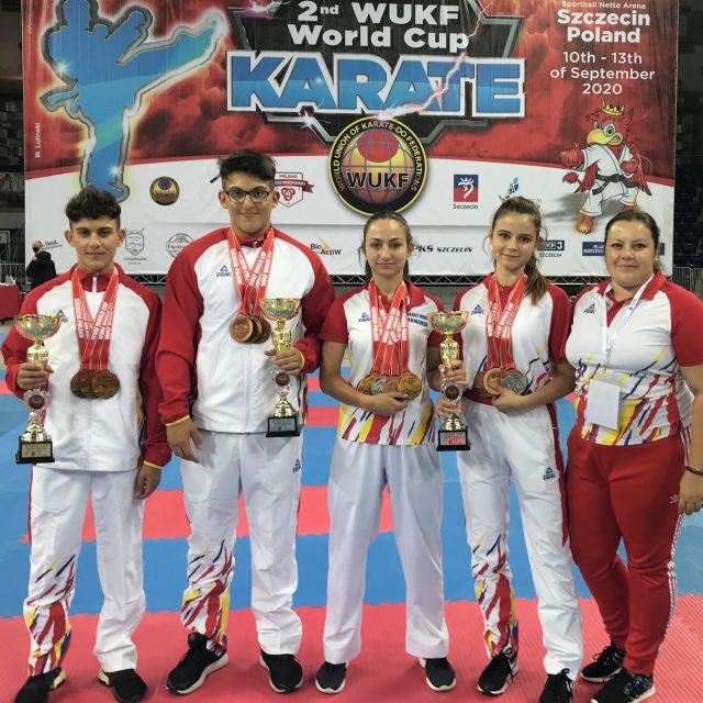 Karatiștii de la Liceul Teoretic Axente Sever, campioni mondiali în Polonia