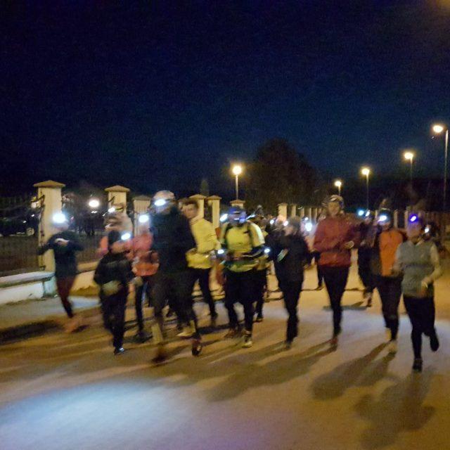 Participare numeroasa la alergarea noctura de Ora Pamantului