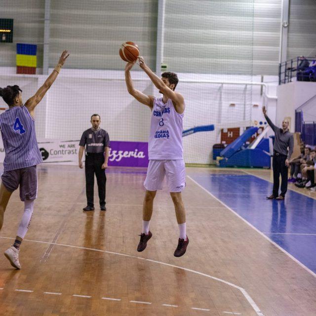 Trei baschetbaliști importanți vor continua la CSM