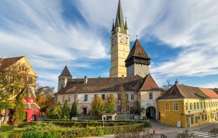 Biserica Sf. Margareta si Turnul Trompetilor
