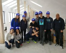 11 voluntari din 8 tari lucrează pe șantierul Habitat for Humanity din Mediaș