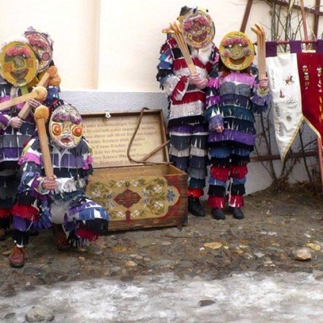 Sunteți invitați la Carnavalul Lolelor de la Casa Schuller